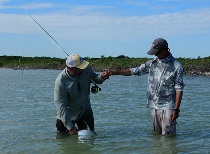 Belize day 2 a slammin 39 day on the flats orvis news for Best fishing line for bass