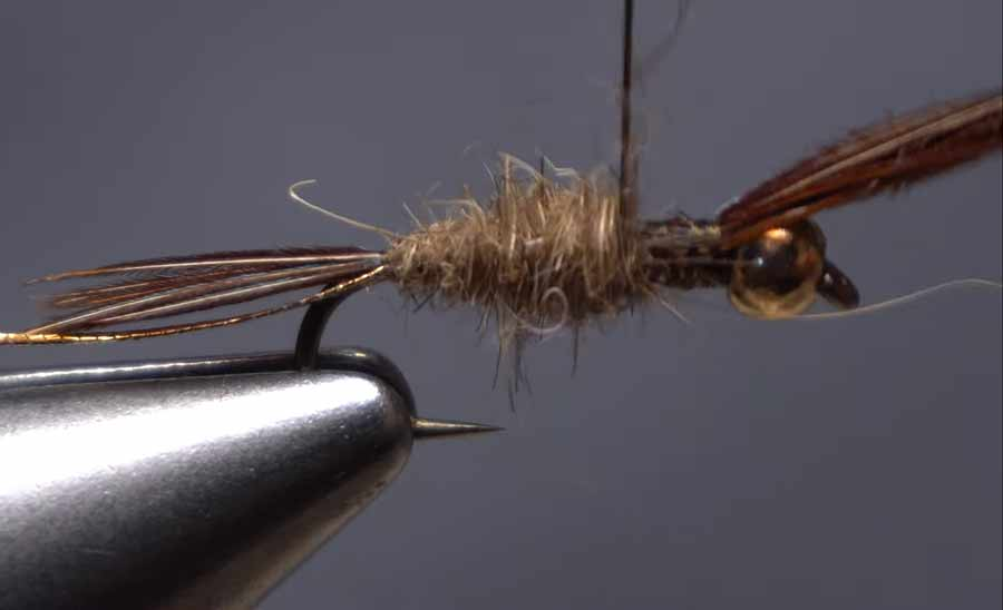 Video: How to Tie with Hare's Ear Dubbing